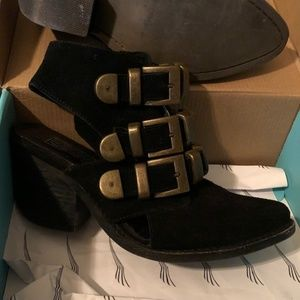 Jeffrey Campbell Tripolo Bucket Boot